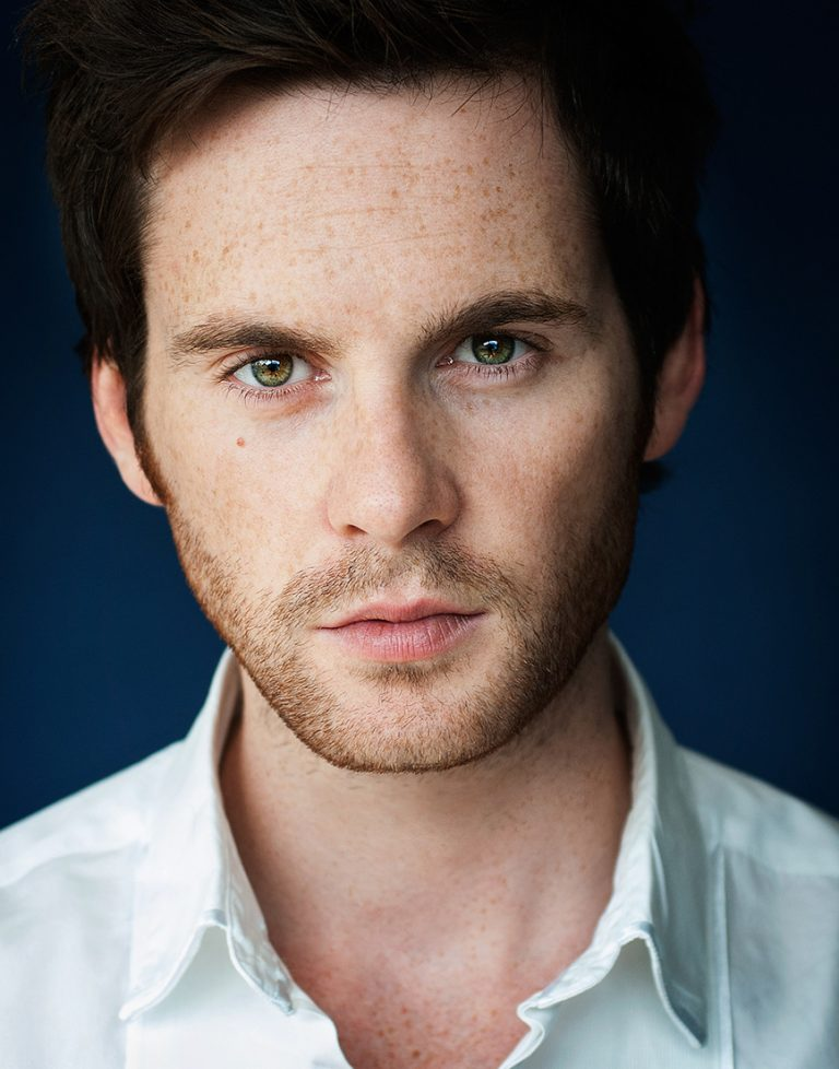 Headshot photographer london Tom Riley
